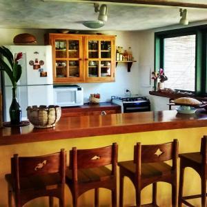 A kitchen or kitchenette at Casa Vila Do Outeiro