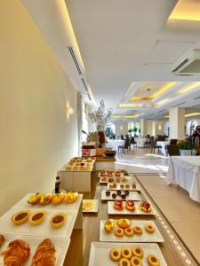 A restaurant or other place to eat at San Severino Park Hotel & SPA Sure Hotel Collection