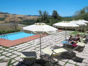 The swimming pool at or near Locazione Turistica Villa Caggio - VOL140