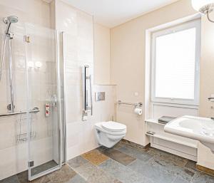 A bathroom at Johannishof Wein-Café & Gästehaus