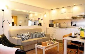 Una cocina o zona de cocina en Alfama Terrace