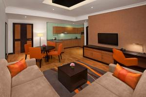 A seating area at DoubleTree by Hilton Hotel and Residences Dubai – Al Barsha