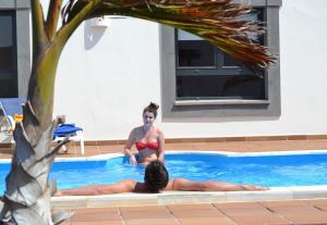 Het zwembad bij of vlak bij Villas Coral Deluxe