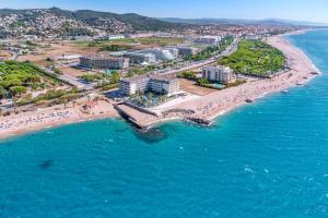 A bird's-eye view of Caprici Beach Hotel & Spa