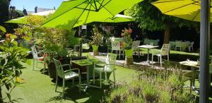 Restaurant ou autre lieu de restauration dans l'établissement Hotel Le Lion d'Or