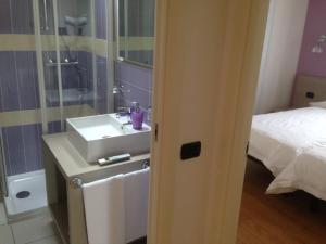 A bathroom at Residence CaFelicita