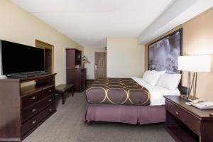 Cama o camas de una habitación en Super 8 by Wyndham Niagara Falls by the Falls