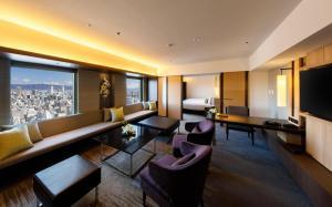 A seating area at Hotel Nikko Osaka