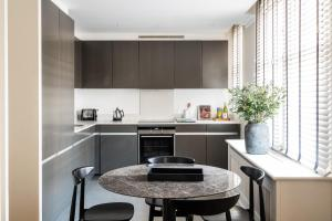 A kitchen or kitchenette at Native Mayfair