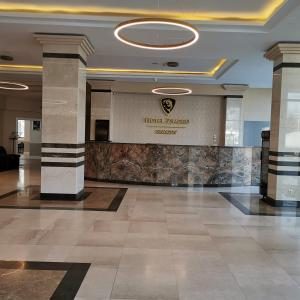 The lobby or reception area at Hotel Zimbru Snagov