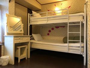 Hostel ユメノマドにある二段ベッド