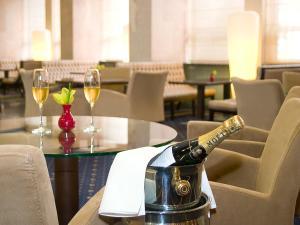 Напитки в President Hotel