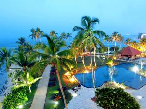 A view of the pool at Hikka Tranz by Cinnamon or nearby