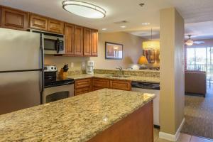 A kitchen or kitchenette at Bluegreen Vacations Orlando Sunshine Resort