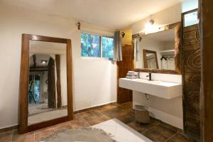 A bathroom at Amansala
