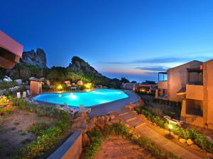 Vista sulla piscina di Locazione Turistica Paradise-46 o su una piscina nei dintorni