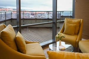 Гостиная зона в Метрополь Гранд Отель Геленджик