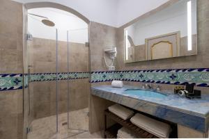 A bathroom at Hotel Casa Albertina