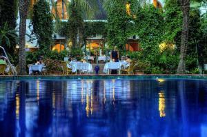Het zwembad bij of vlak bij Hotel Hurricane