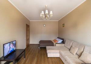 Гостиная зона в Апартаменты в новом доме на Кременчугской 13