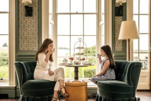 Guests staying at Four Seasons Hotel Hampshire