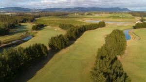 A bird's-eye view of Crowne Plaza Hunter Valley, an IHG hotel
