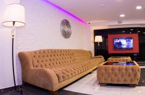 Гостиная зона в Salut Hotel