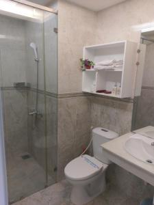 A bathroom at Vân Anh Luxury