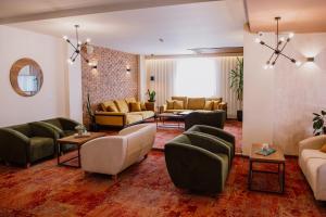 A seating area at Hotel Kapri