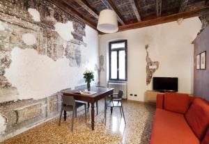 A seating area at Residenza Roccamaggiore