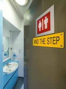 A bathroom at LSE Carr-Saunders Hall