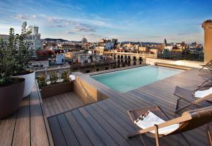 Vista de la piscina de Vincci Gala o alrededores