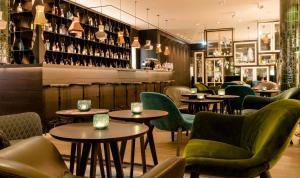 Salon ou bar de l'établissement Motel One Amsterdam-Waterlooplein