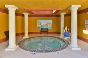 The swimming pool at or near Holiday Inn Rancho Cordova - Northeast Sacramento, an IHG Hotel