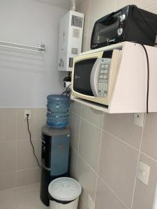 Um banheiro em Lazer completo 2 quartos frente Parque Aquatico