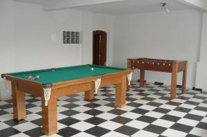 A pool table at Casa Portuguesa 27