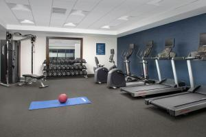 The fitness center and/or fitness facilities at Hampton Inn Baltimore-Downtown-Convention Center