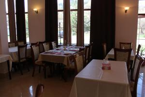 A restaurant or other place to eat at Diligence Hotel