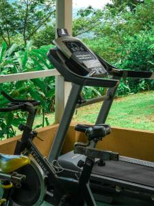 The fitness center and/or fitness facilities at Hotel Villa Florencia