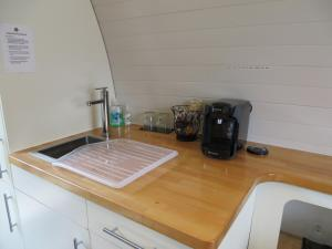 A kitchen or kitchenette at Eriskay B&B and Aviemore Glamping