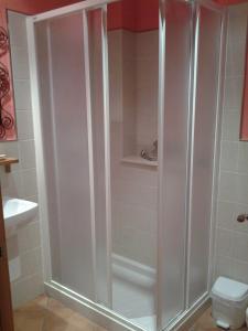 Un baño de Hotel CTR San Baudelio