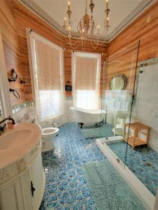 A bathroom at The Artist House