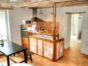 Kuchyň nebo kuchyňský kout v ubytování Gîte Mazières-de-Touraine, 3 pièces, 4 personnes - FR-1-381-200