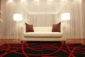 A seating area at Hotel 1-2-3 Nagoya Marunouchi