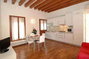 A kitchen or kitchenette at Corte Nova