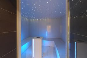 A bathroom at Alpine Hotel Perren