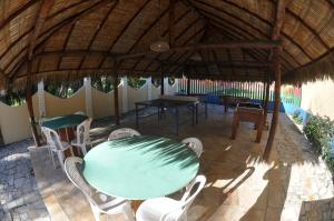 A restaurant or other place to eat at Hotel Dunas De Paracuru