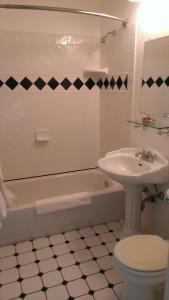 A bathroom at Connor Hotel