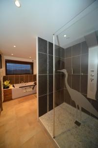 A bathroom at Domaine de la Garde