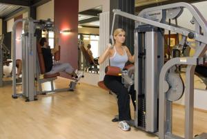 Das Fitnesscenter und/oder die Fitnesseinrichtungen in der Unterkunft Matchpoint Hotel